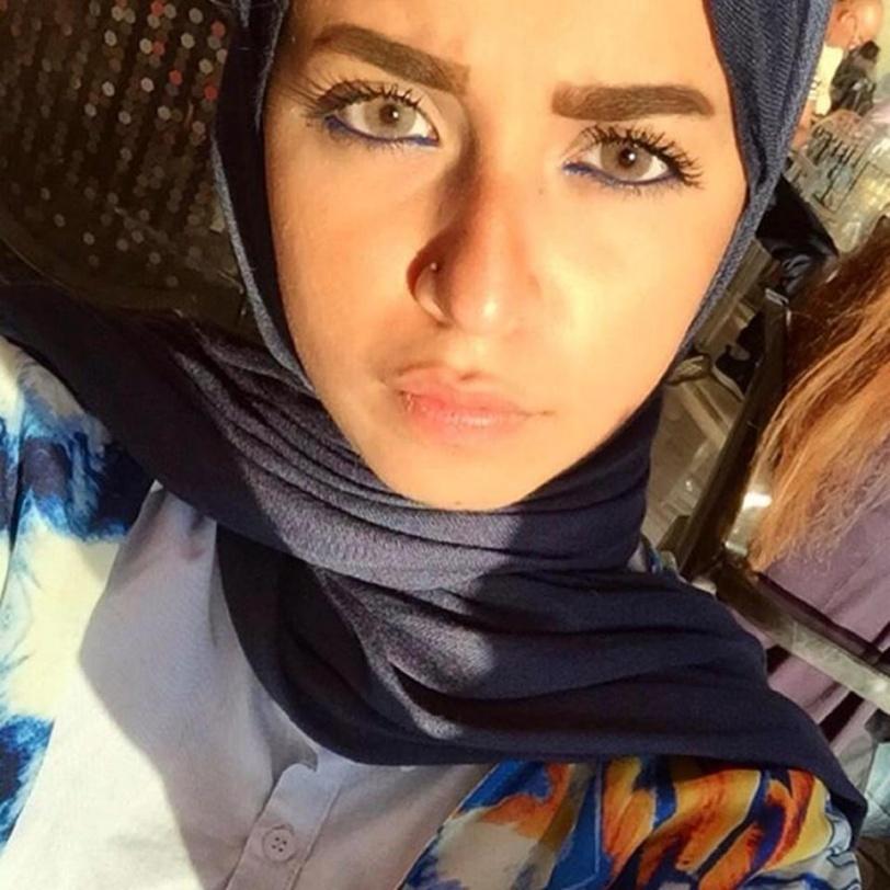بالصور / مصرية محجبة يتابعها أكثر من 90 ألف شخص.. بسبب جمالها وأناقتها
